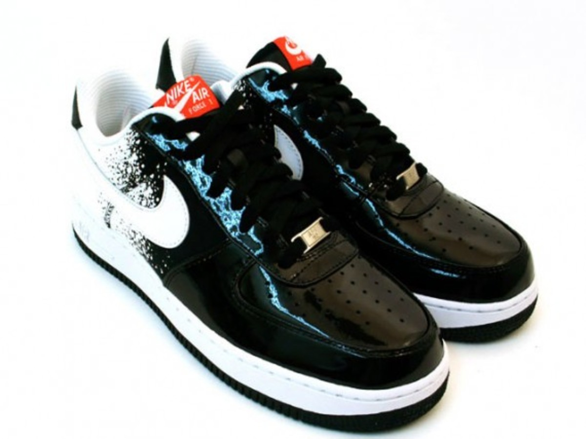 nike-air-force-1-low-premium-black-white-hot-red-2