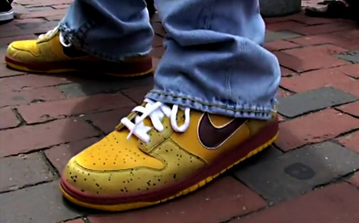 nike-sb-x-concepts-dunk-low-premium-yellow-lobster-4