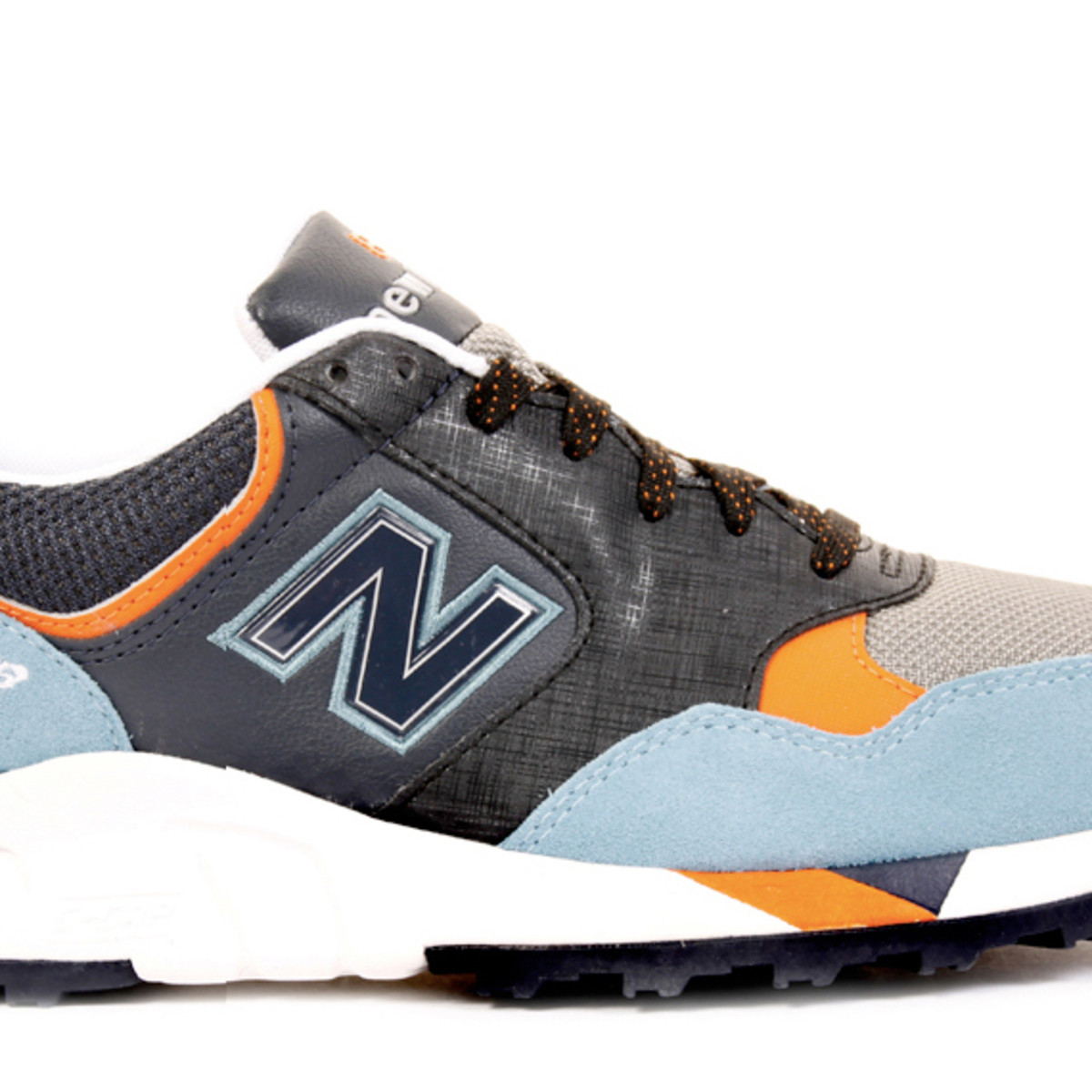 new-balance-fall-2009-850-basket-01a
