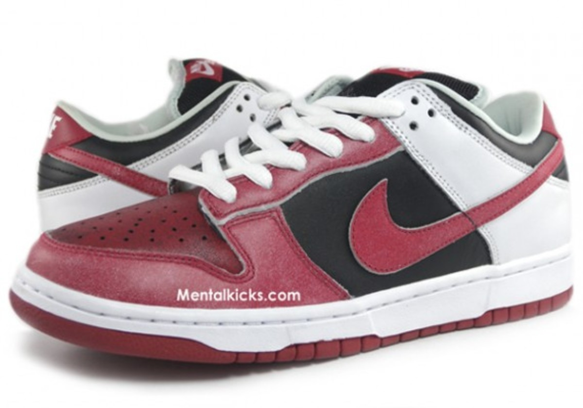 nike-sb-dunk-jason-voorhees-friday-the-13th-05
