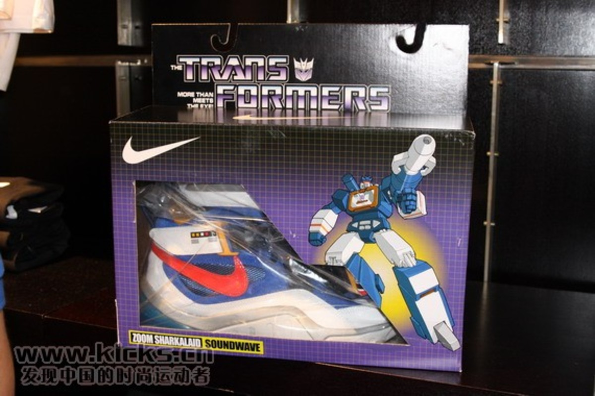 nike-basketball-x-transformers-ii-pack-sharkalaid-31