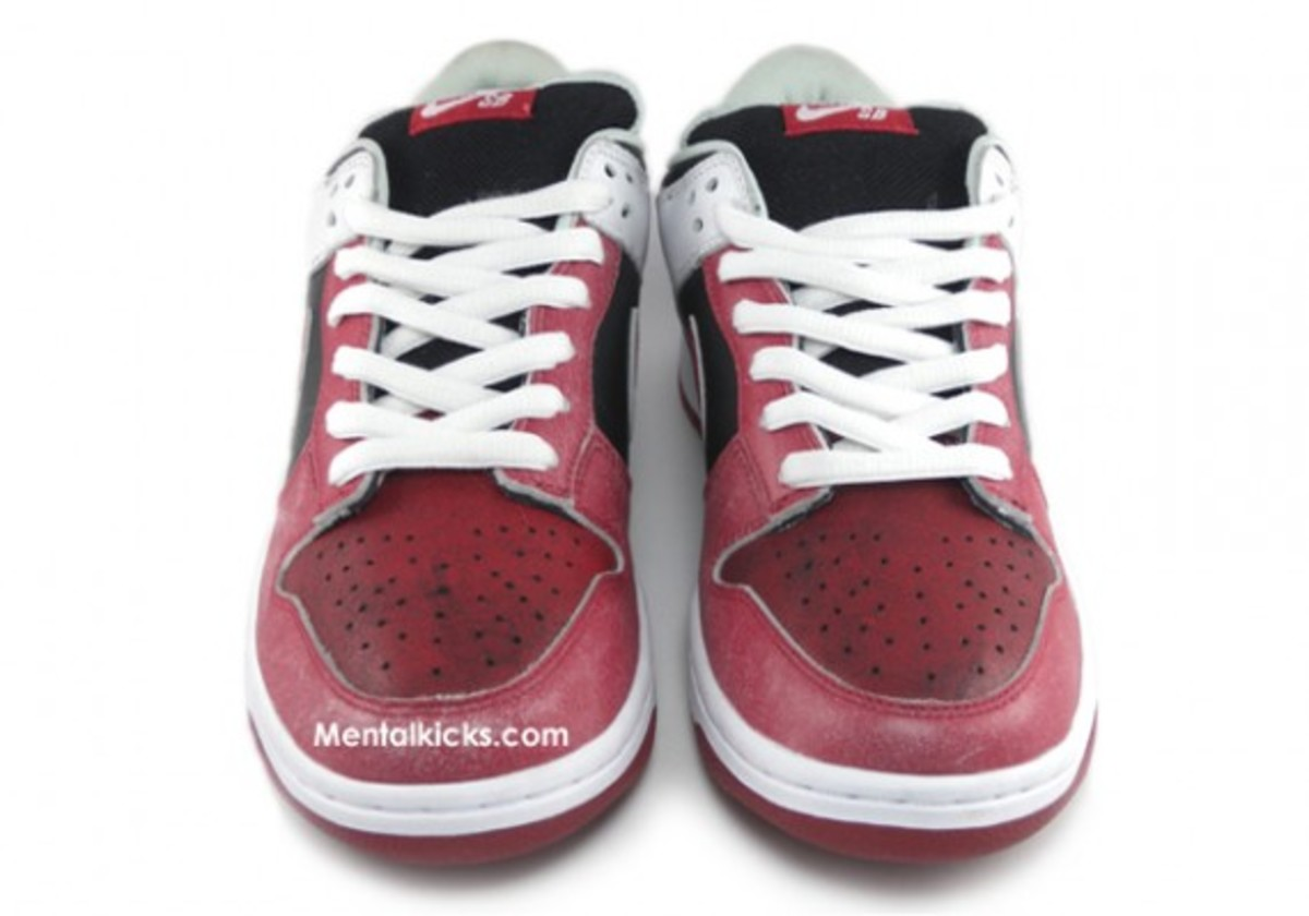 nike-sb-dunk-jason-voorhees-friday-the-13th-04