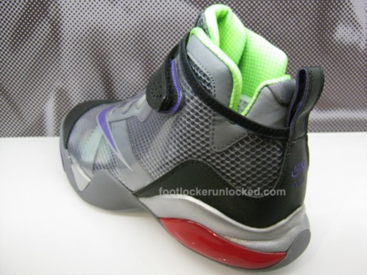 nike-transformers-zoom-flight-club-decepticons-megatron-02