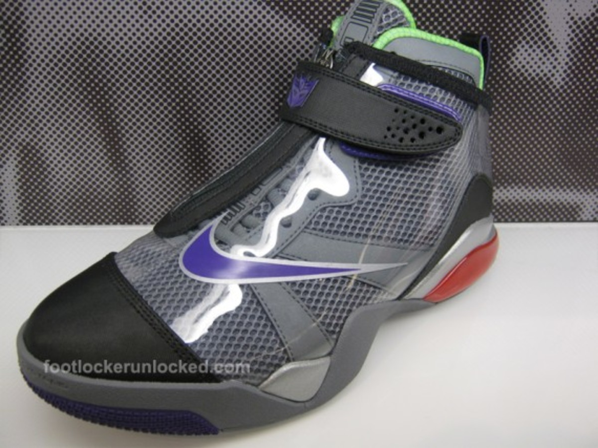 nike-transformers-zoom-flight-club-decepticons-megatron-04
