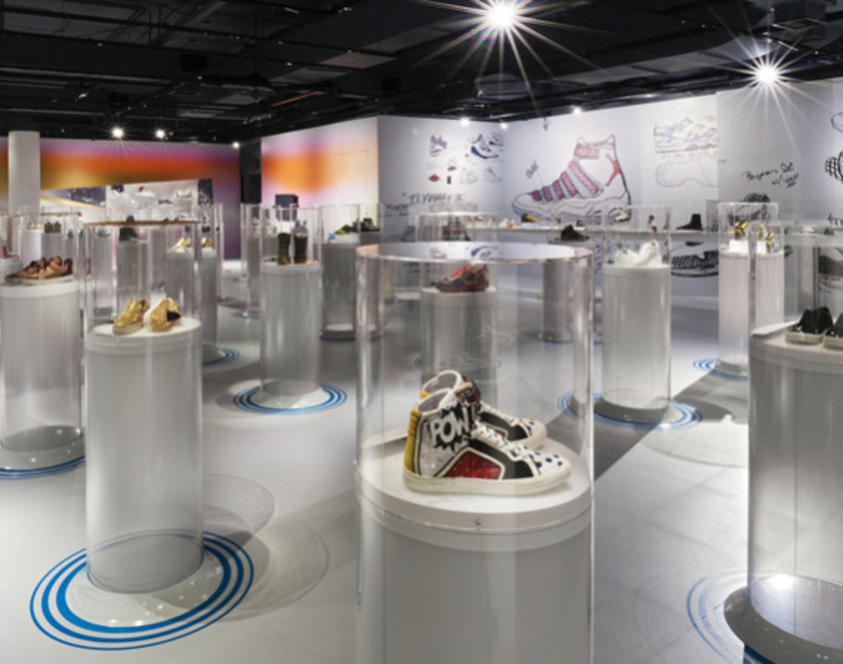 out-of-the-box-the-rise-of-sneaker-culture-by-karim-rashid-01