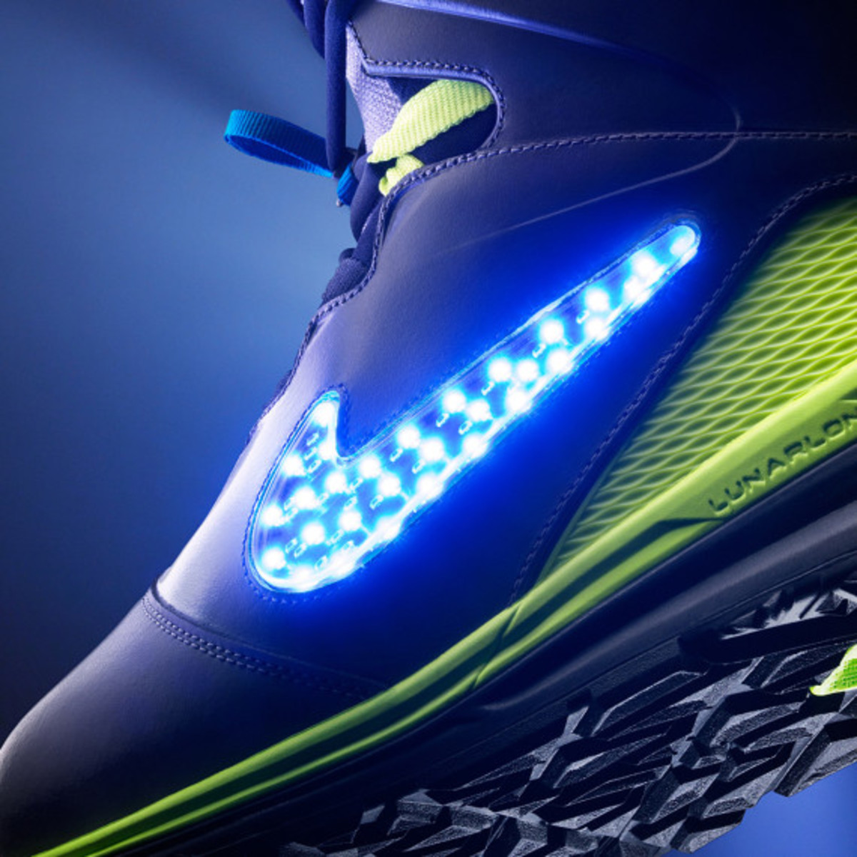 "Nike Snowboarding - LunarENDOR QS Snowboard Boot | ""Light Up The Slopes, Literally"" - 5"