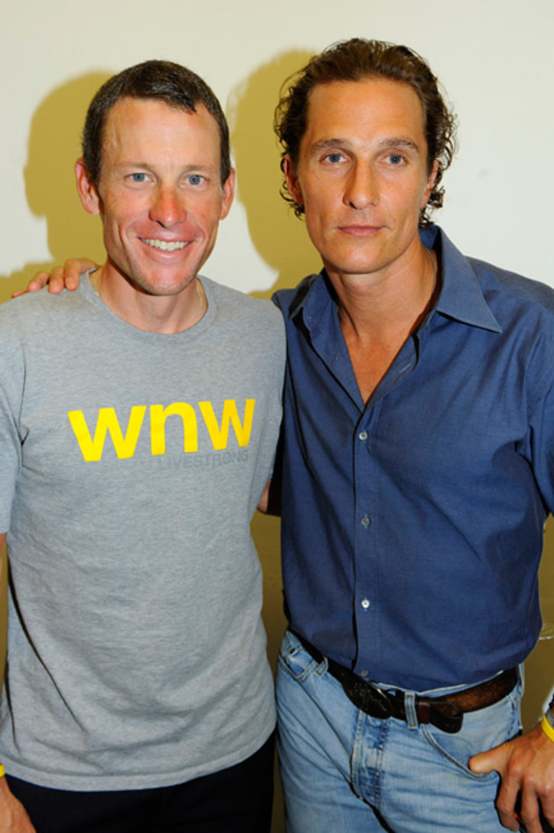 lance-armstrong-joins-stages-exhibition-6