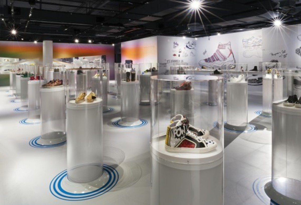 out-of-the-box-the-rise-of-sneaker-culture-by-karim-rashid-09