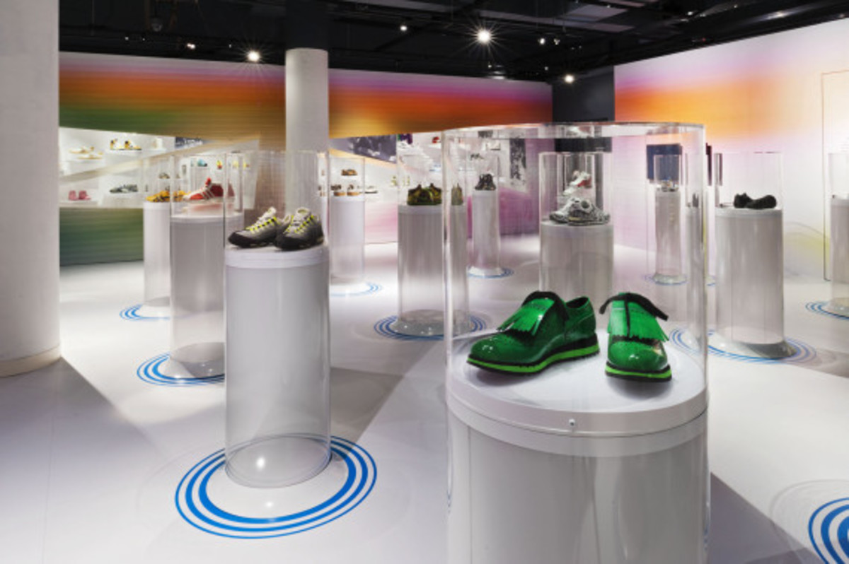 out-of-the-box-the-rise-of-sneaker-culture-by-karim-rashid-07