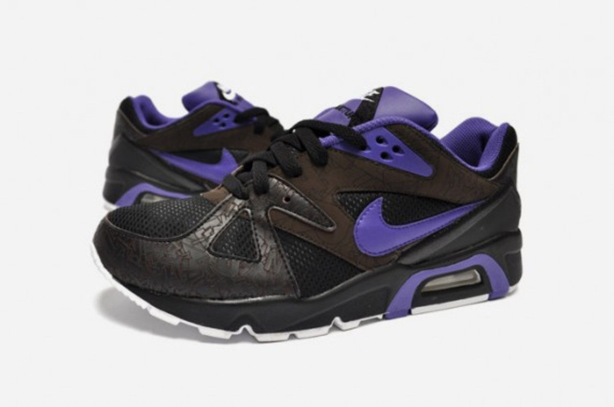 nike-air-structure-triax-premium-black-purple-1