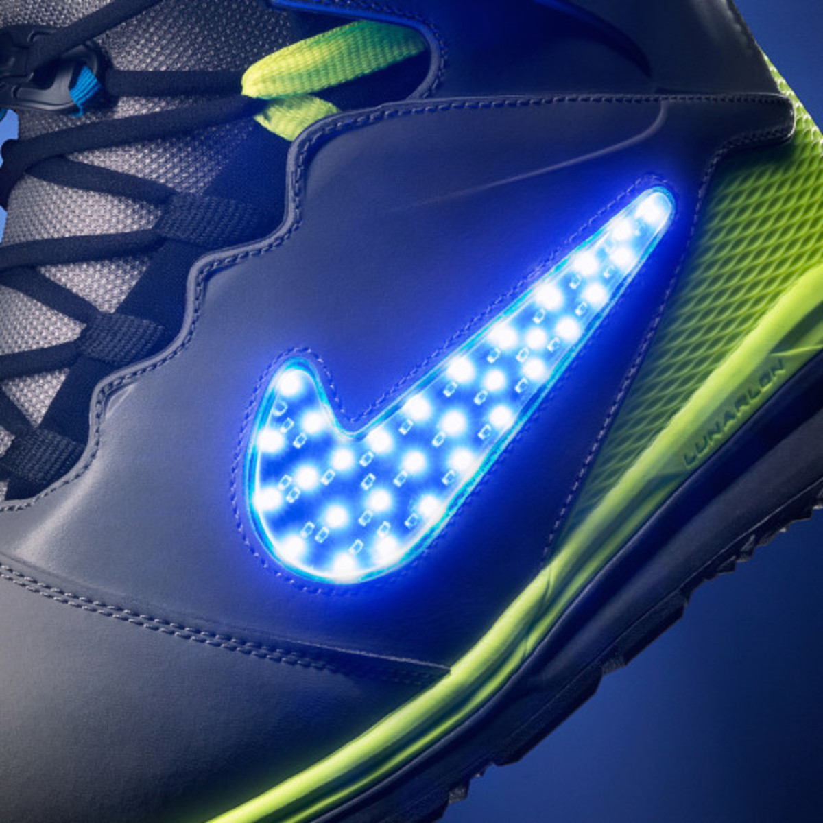 "Nike Snowboarding - LunarENDOR QS Snowboard Boot | ""Light Up The Slopes, Literally"" - 7"