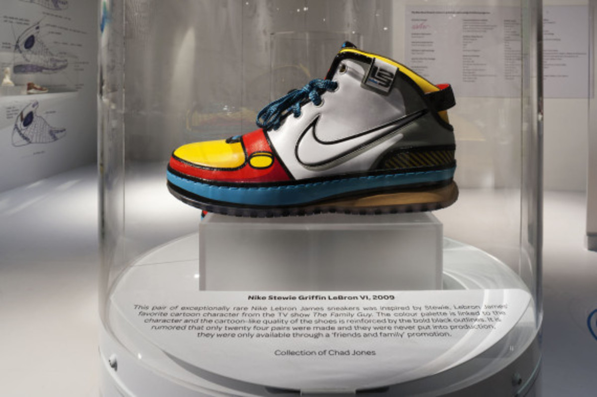 out-of-the-box-the-rise-of-sneaker-culture-by-karim-rashid-05