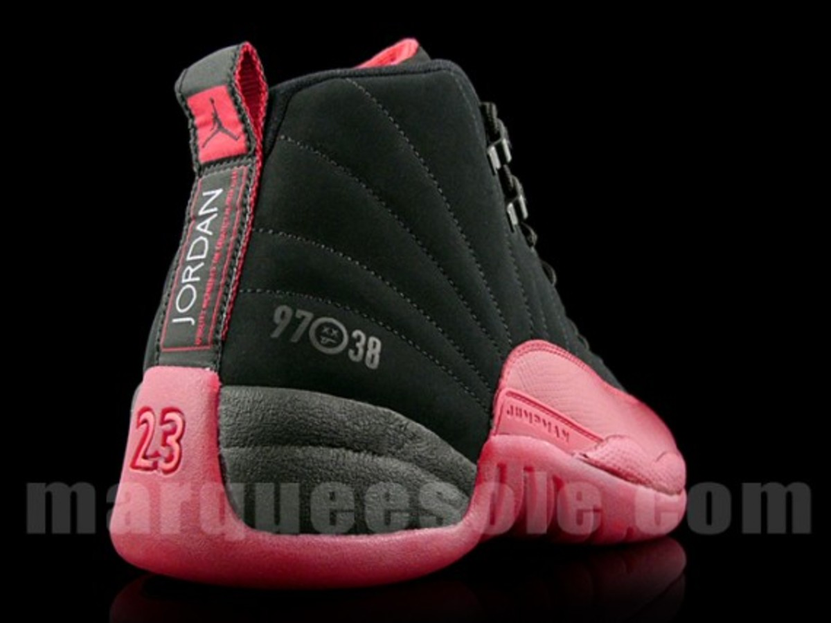 air-jordan-xii-retro-black-varsity-red-flu-game-4
