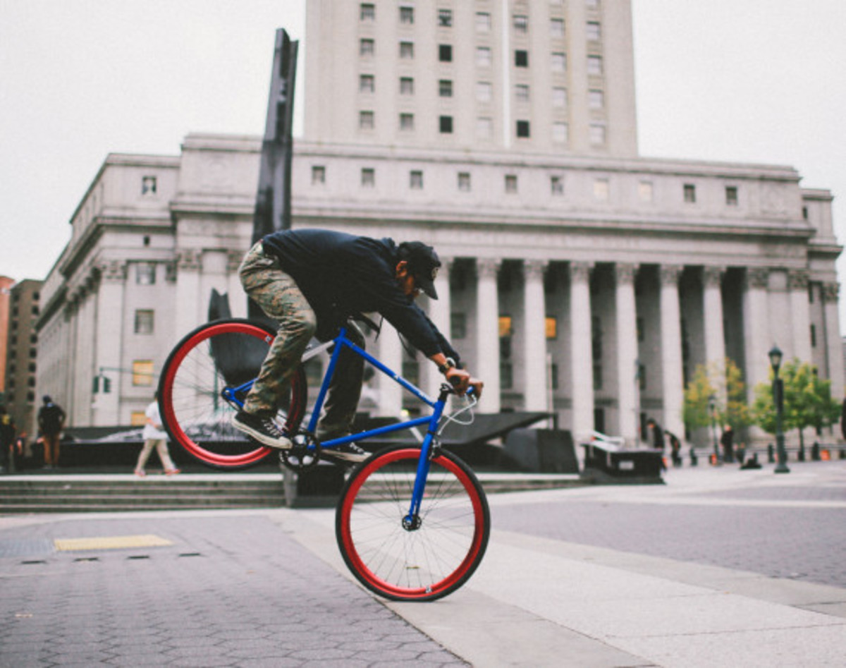 GIVEAWAY REMINDER: Dave's Wear House x Freshness - Another Whip Bicycle in Matte Iridescent Blue - 5