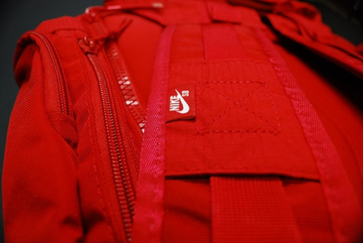 nike-sb-eugene-backpack-red-1