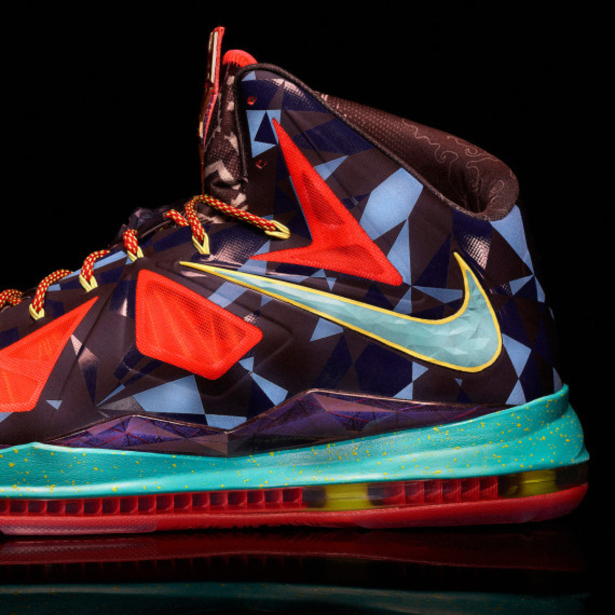 "Nike LeBron X ""MVP"" – Celebrating LeBron James' 4th NBA Most Valuable Player Award - 2"