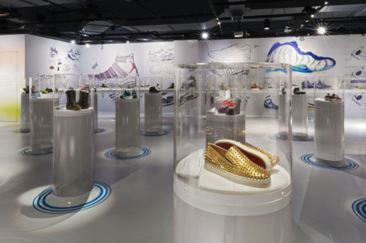 out-of-the-box-the-rise-of-sneaker-culture-by-karim-rashid-04