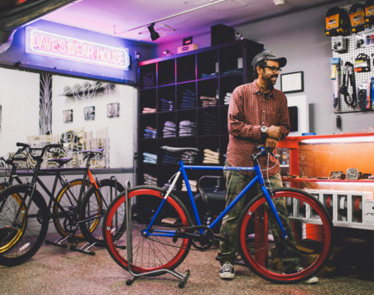GIVEAWAY REMINDER: Dave's Wear House x Freshness - Another Whip Bicycle in Matte Iridescent Blue - 11