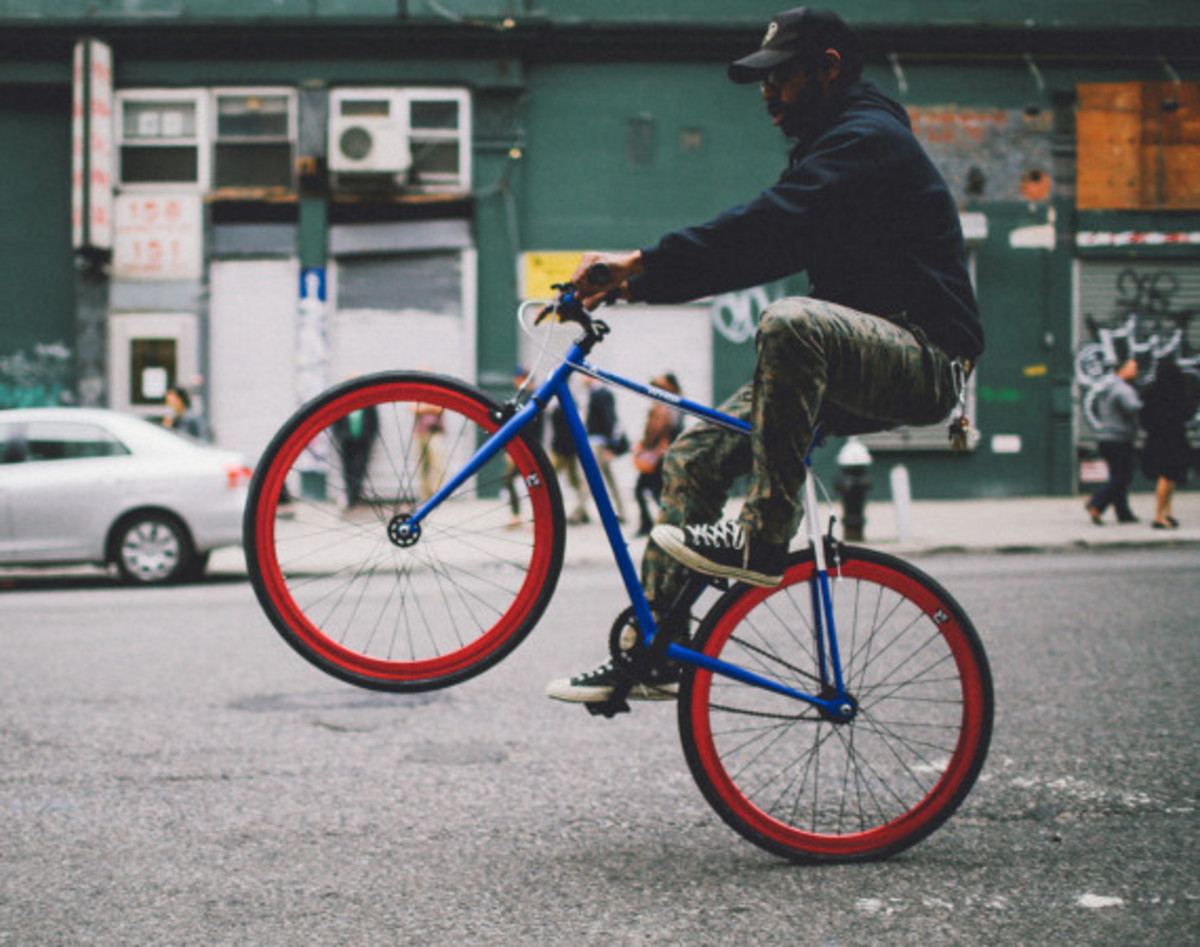 GIVEAWAY REMINDER: Dave's Wear House x Freshness - Another Whip Bicycle in Matte Iridescent Blue - 10