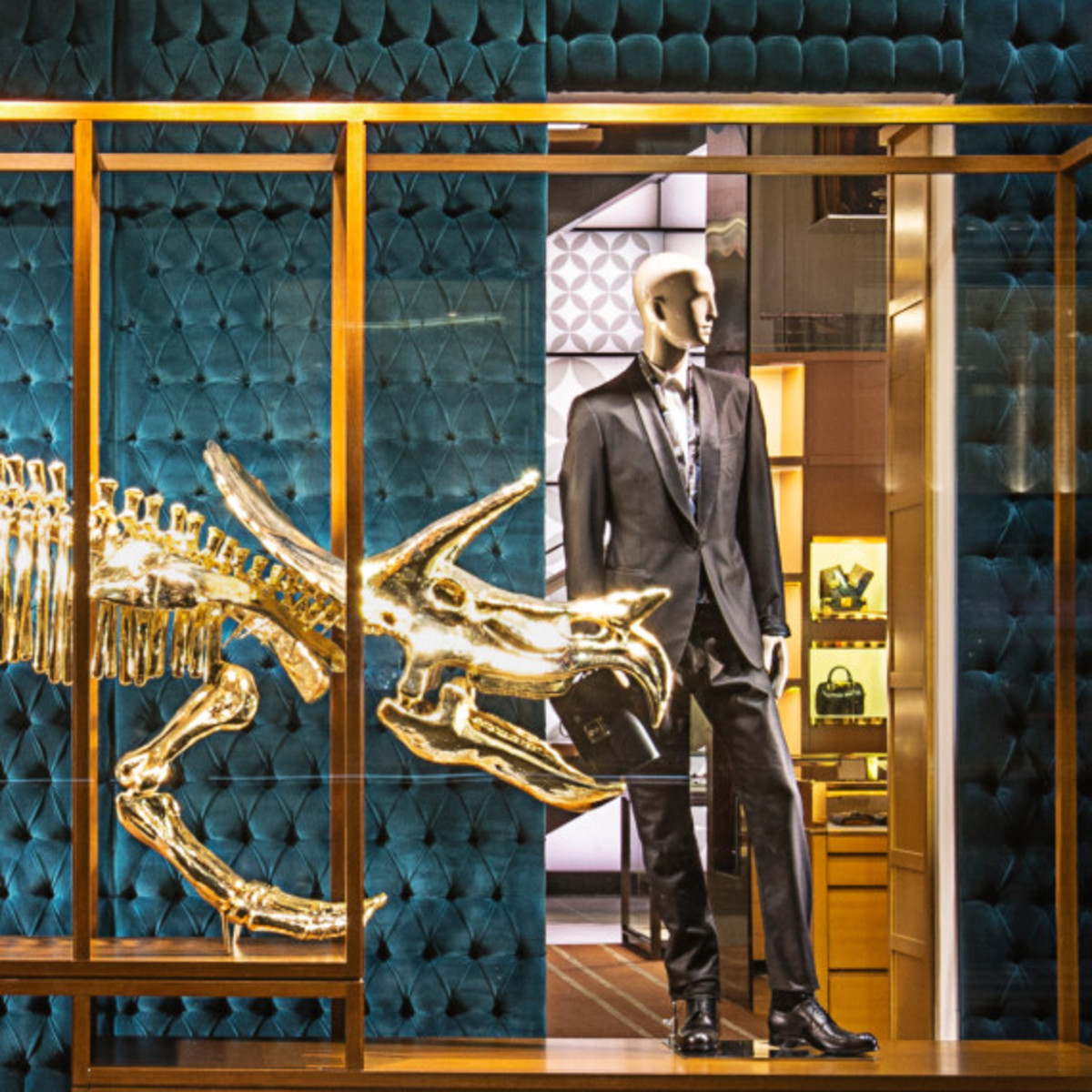 Dinosaurs Invade Louis Vuitton's 5th Avenue Maison Windows | NYC - 2