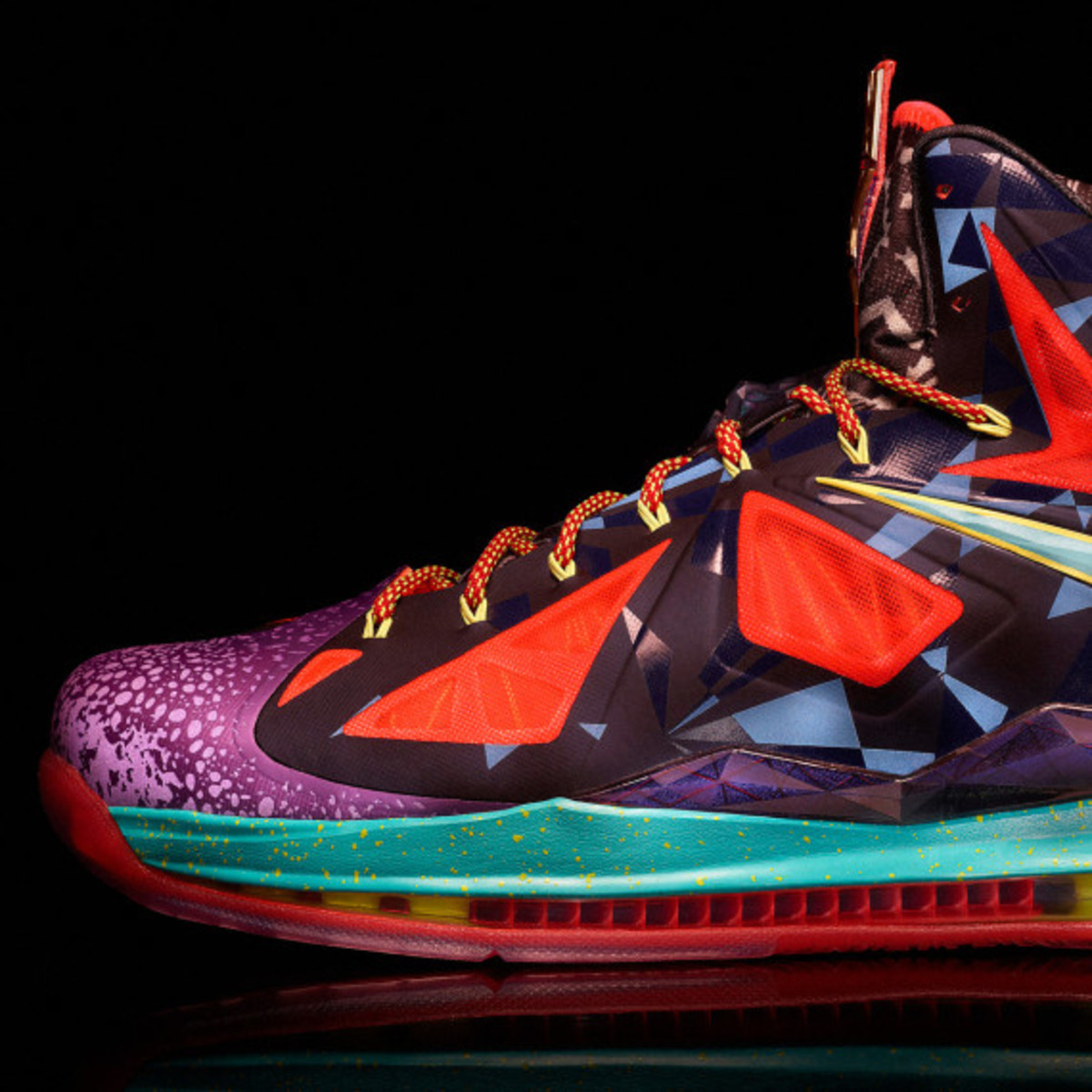 "Nike LeBron X ""MVP"" – Celebrating LeBron James' 4th NBA Most Valuable Player Award - 3"