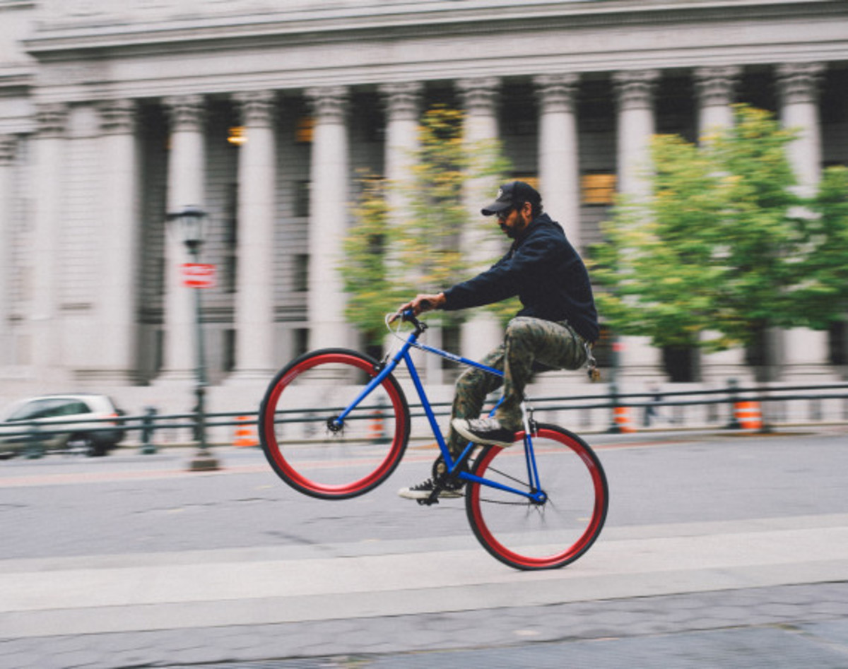 GIVEAWAY REMINDER: Dave's Wear House x Freshness - Another Whip Bicycle in Matte Iridescent Blue - 4