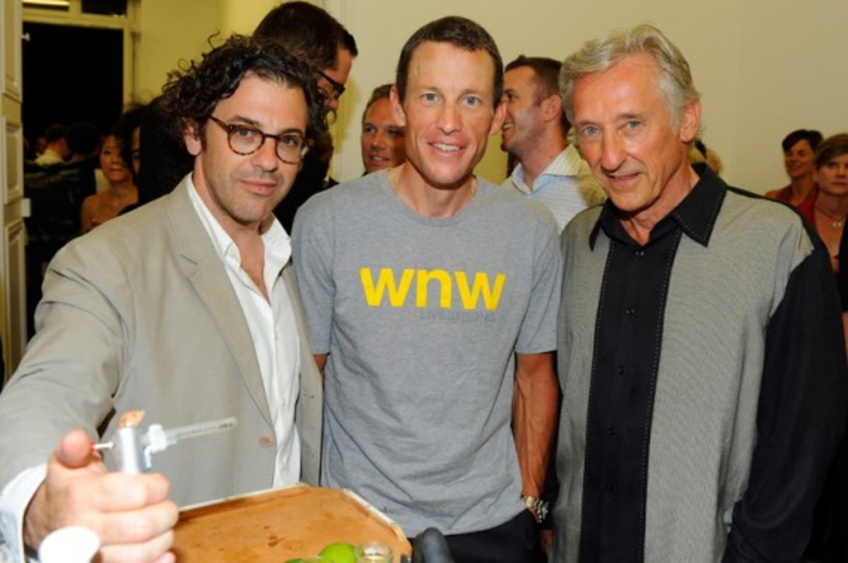 lance-armstrong-joins-stages-exhibition-10