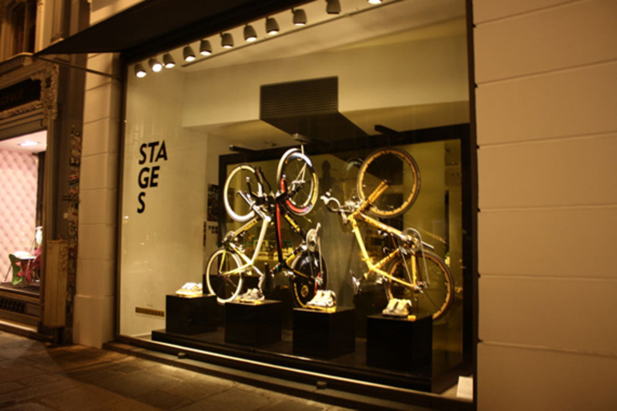 nike-livestrong-stages-window-display-01