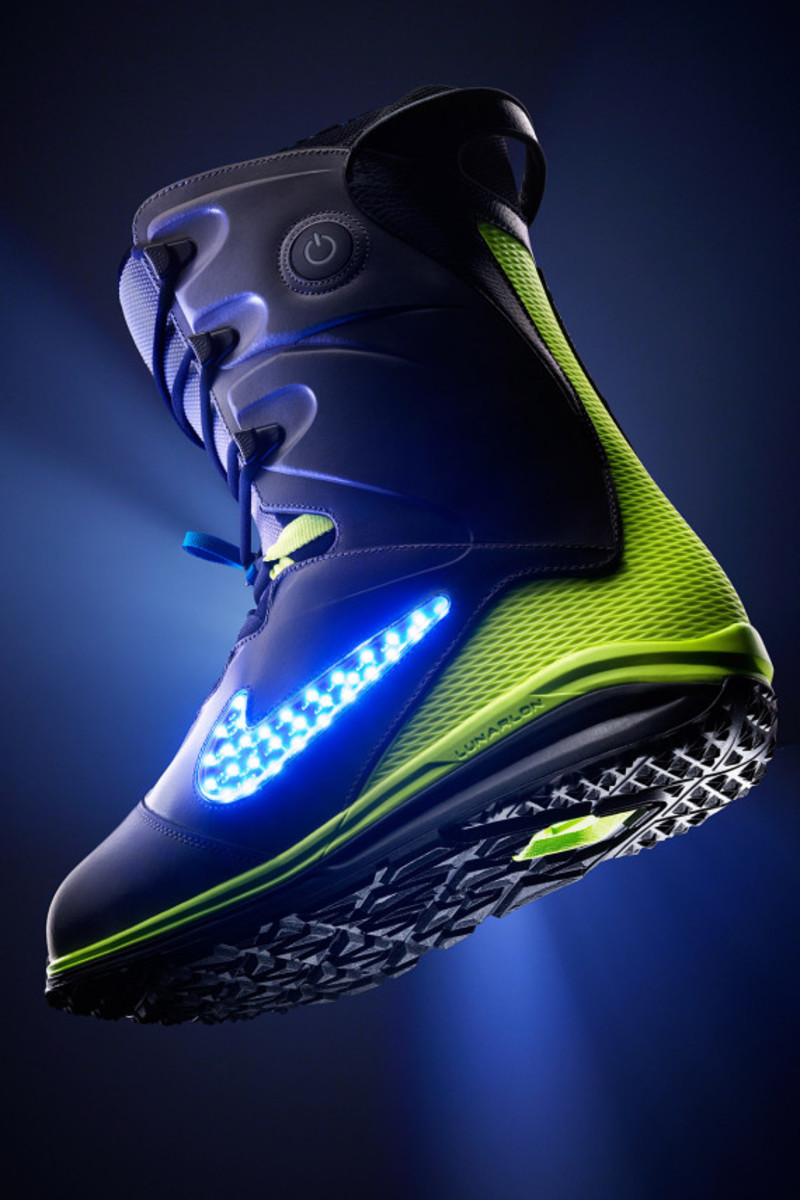 "Nike Snowboarding - LunarENDOR QS Snowboard Boot | ""Light Up The Slopes, Literally"" - 4"