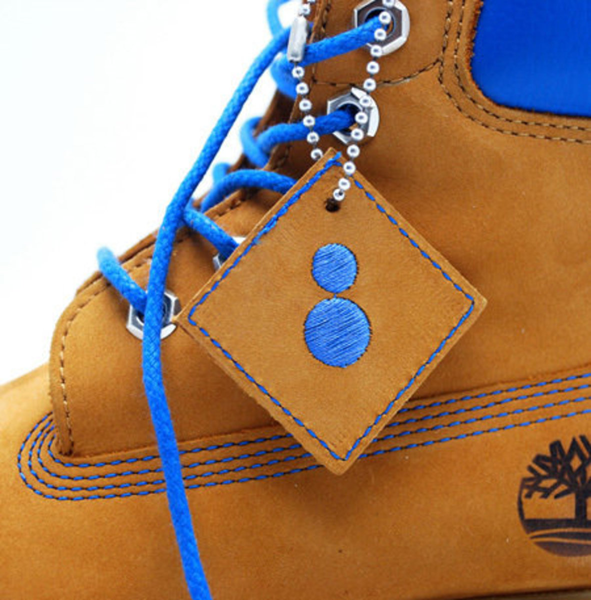 colette-timberland-6-inch-boots-04