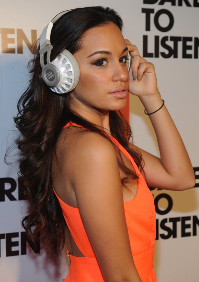 JBL Synchros S700 Headphones NYC Launch Party with DJ D-Nice | Event Recap - 4