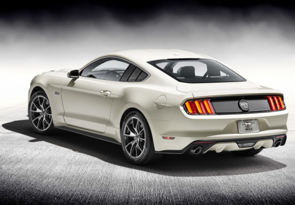 Ford Mustang - 50th Anniversary Edition - 2