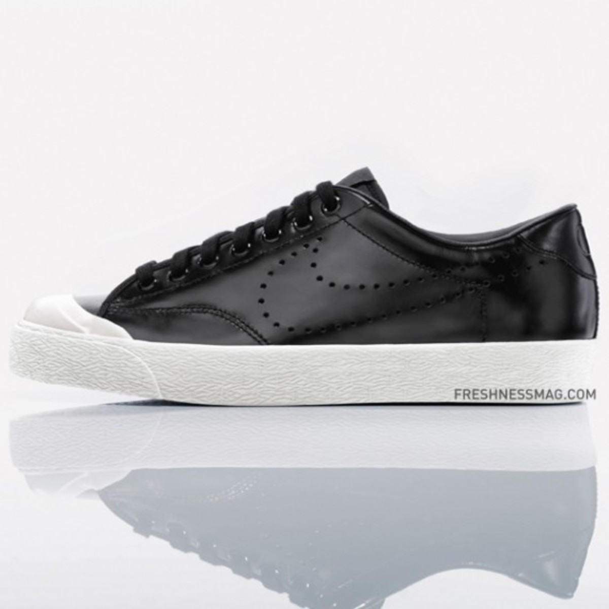 nike-fragment-air-zoom-all-court-premium-ltr-tz-02