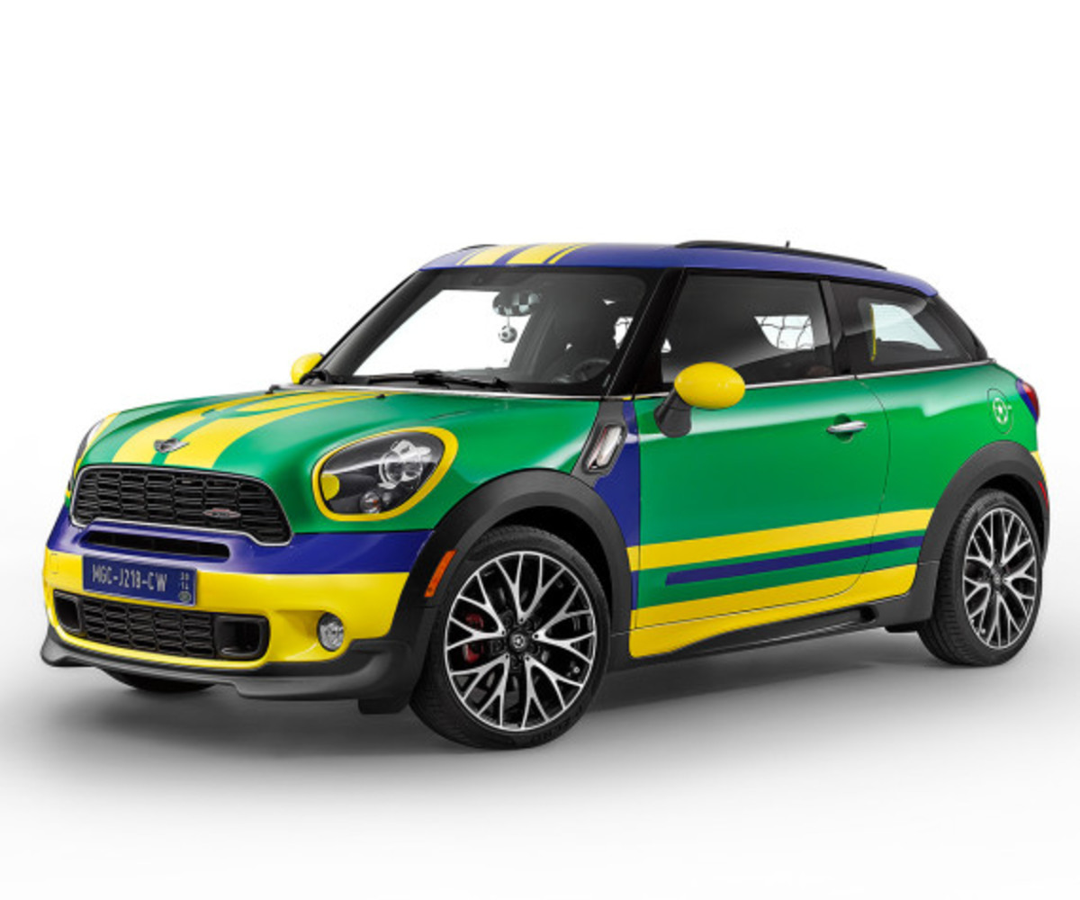 MINI Paceman GoalCooper - Featuring Soccer Pitch and Auto Tailgate Goalkeeper - 2