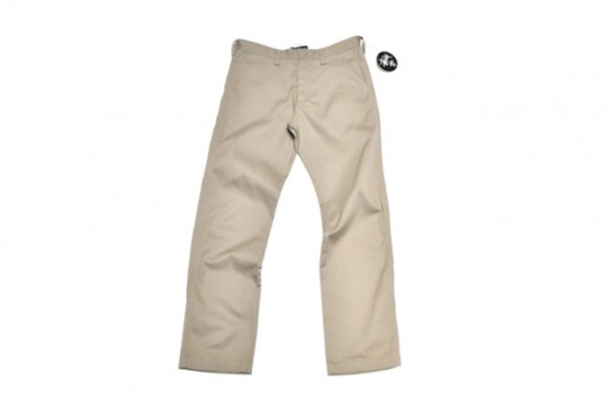 chino-pants-light-khaki