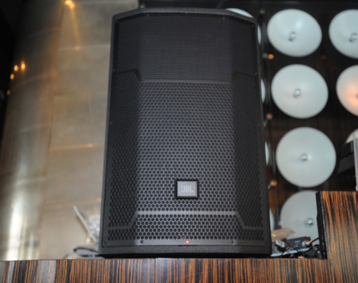 JBL Synchros S700 Headphones NYC Launch Party with DJ D-Nice | Event Recap - 35
