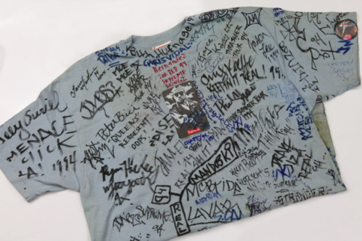 "Original 1994 Supreme ""Taxi Driver"" T-Shirt - Signed by 100+ Skateboard Pros - 4"