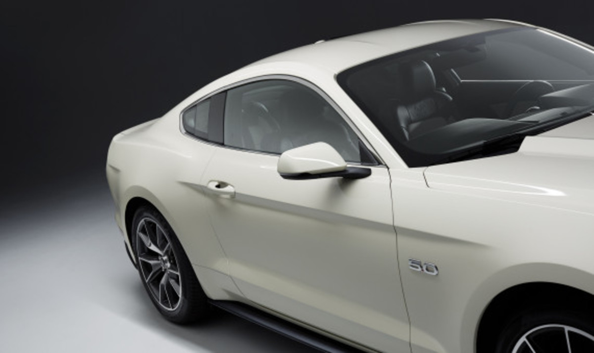 Ford Mustang - 50th Anniversary Edition - 16