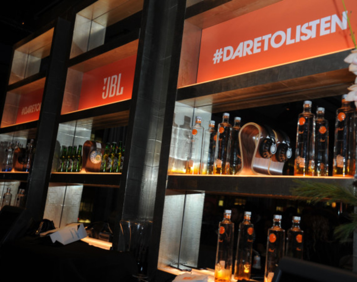 JBL Synchros S700 Headphones NYC Launch Party with DJ D-Nice | Event Recap - 9