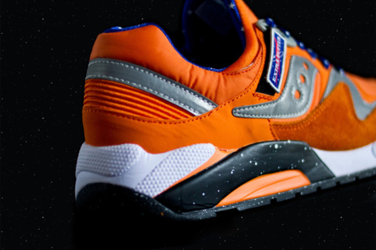 "EXTRA BUTTER x Saucony Grid 9000 - ""ACES"" 