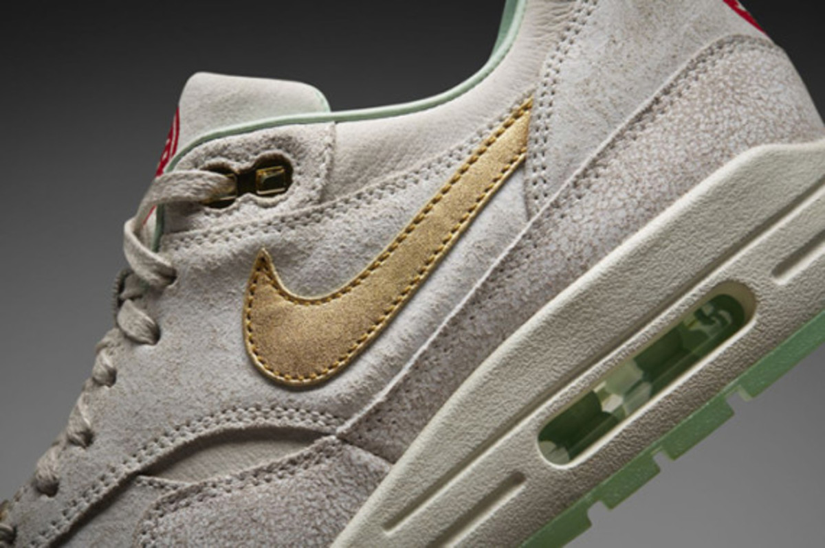 nike-wmns-air-max-1-year-of-the-horse-nike-store-release-info-01