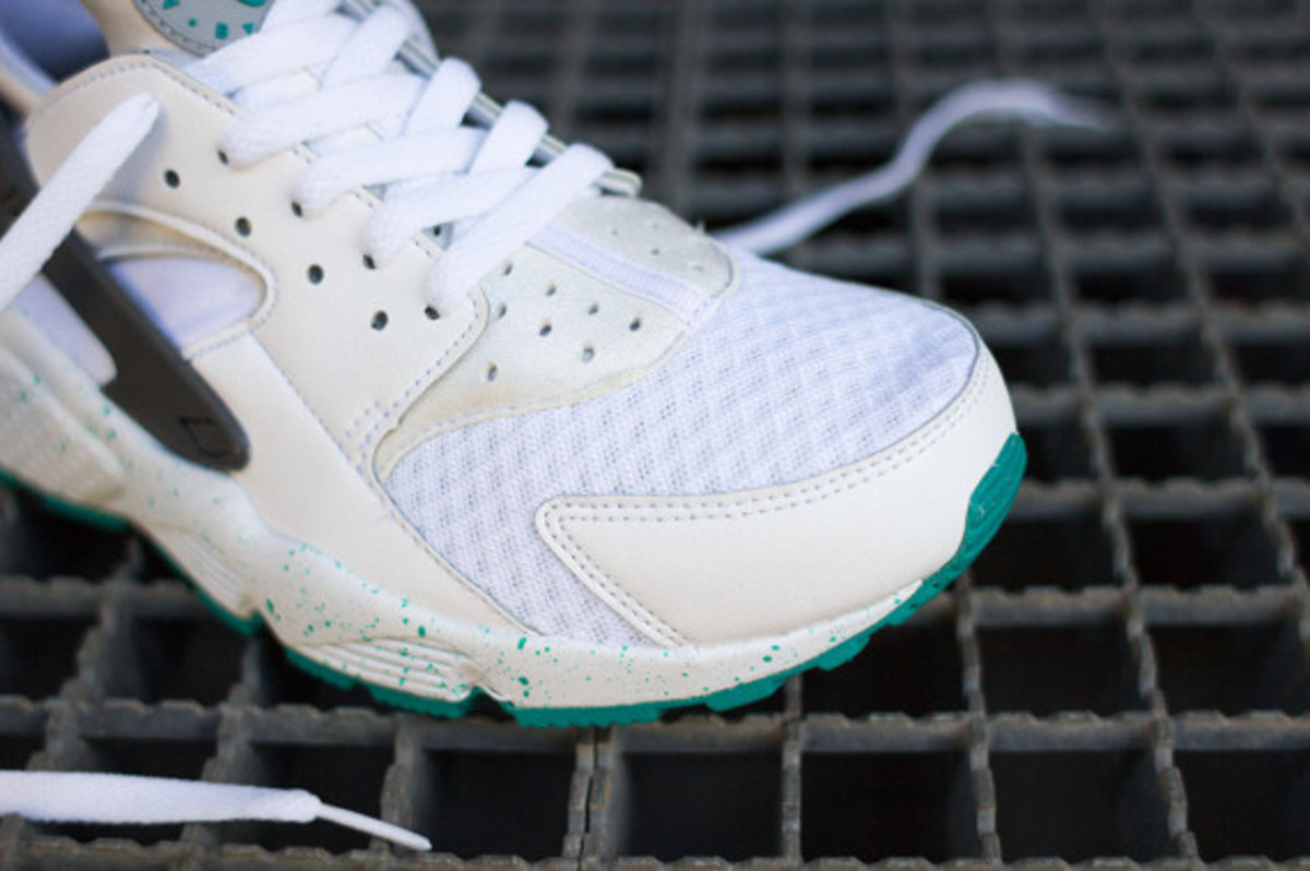 nike-air-huarache-turquoise-speckle-05