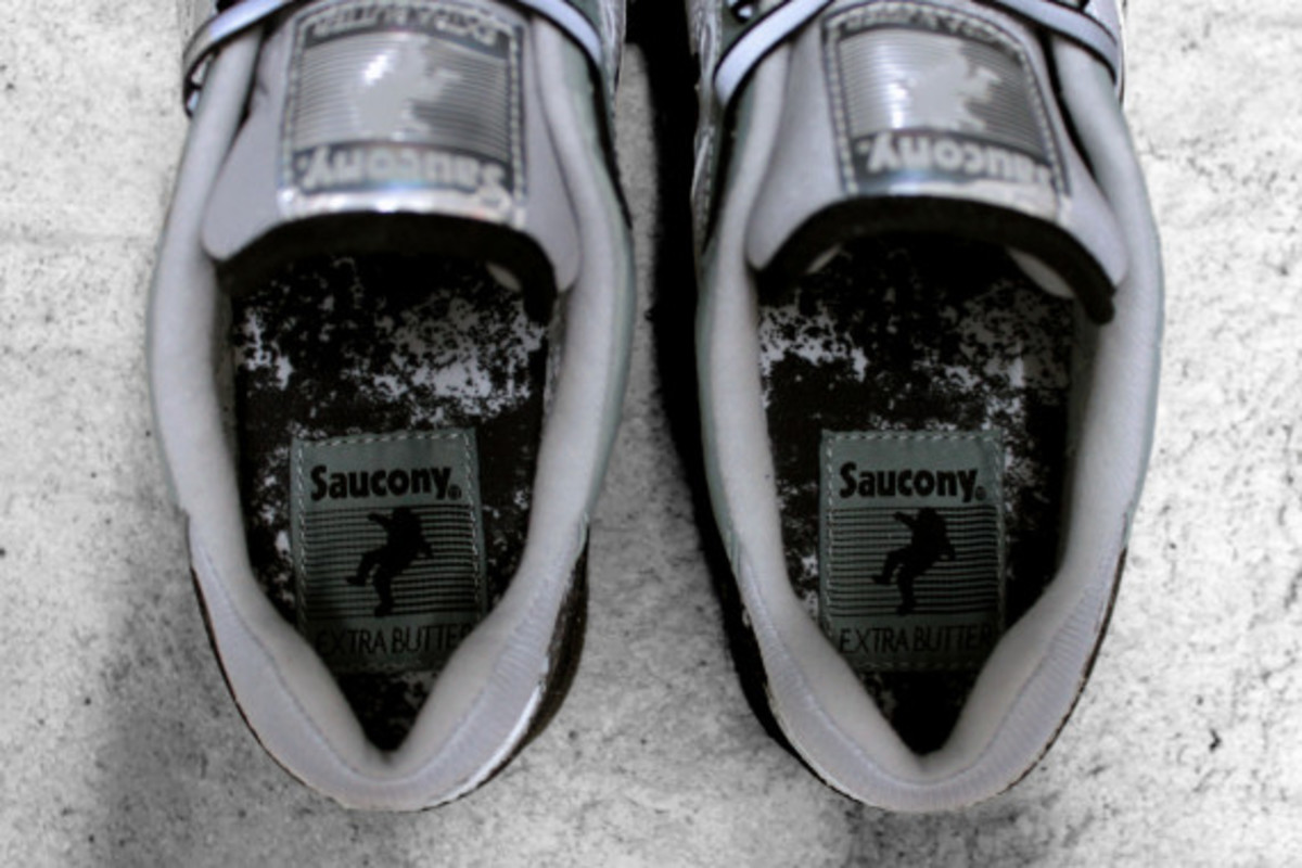"EXTRA BUTTER x Saucony Shadow 6000 - ""Moon Walker"" 