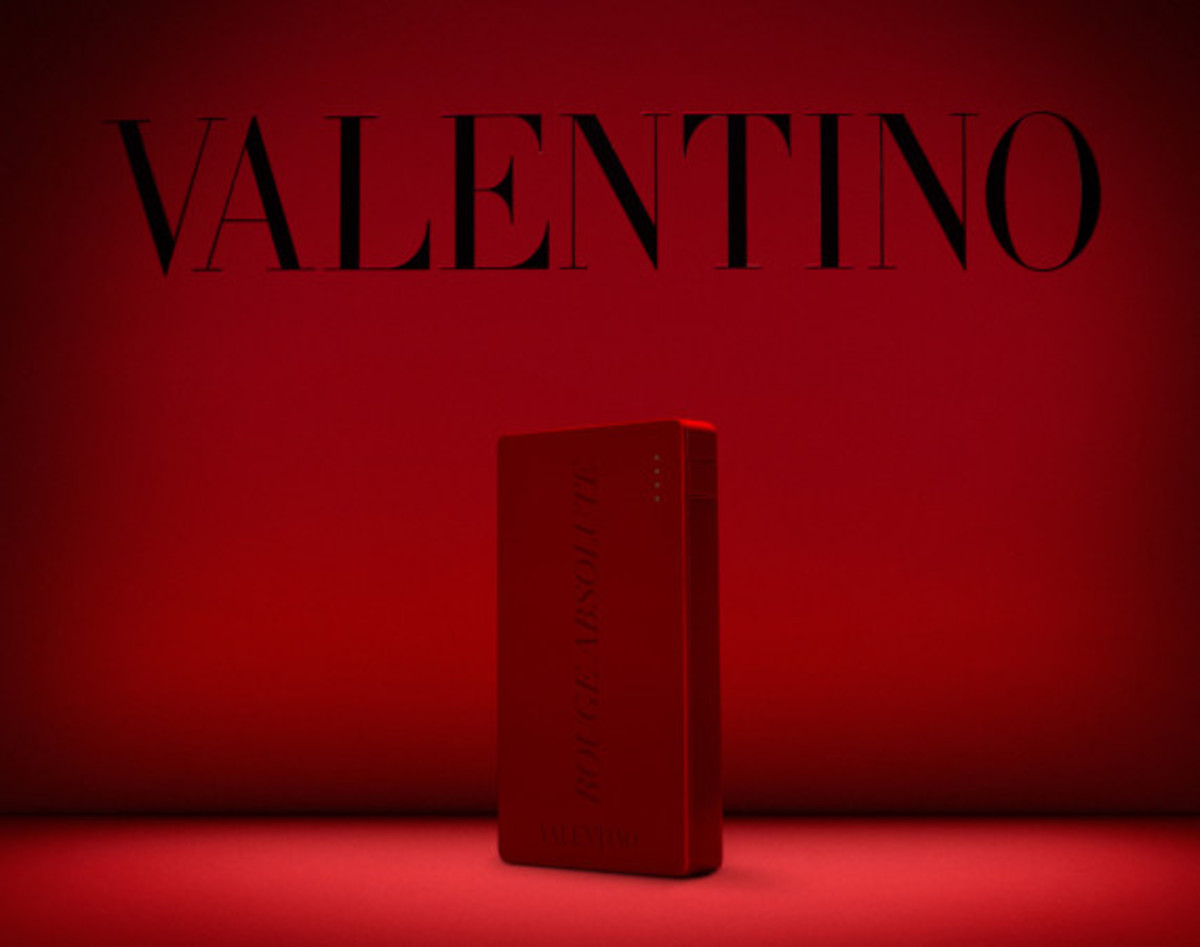Valentino x Mophie - Limited Edition Powerstation 4000 Battery Pack for Cash & Rocket 2014 Tour - 0