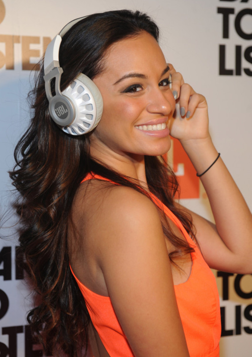 JBL Synchros S700 Headphones NYC Launch Party with DJ D-Nice | Event Recap - 5