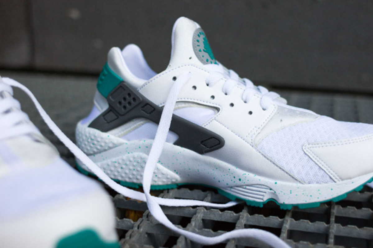nike-air-huarache-turquoise-speckle-06