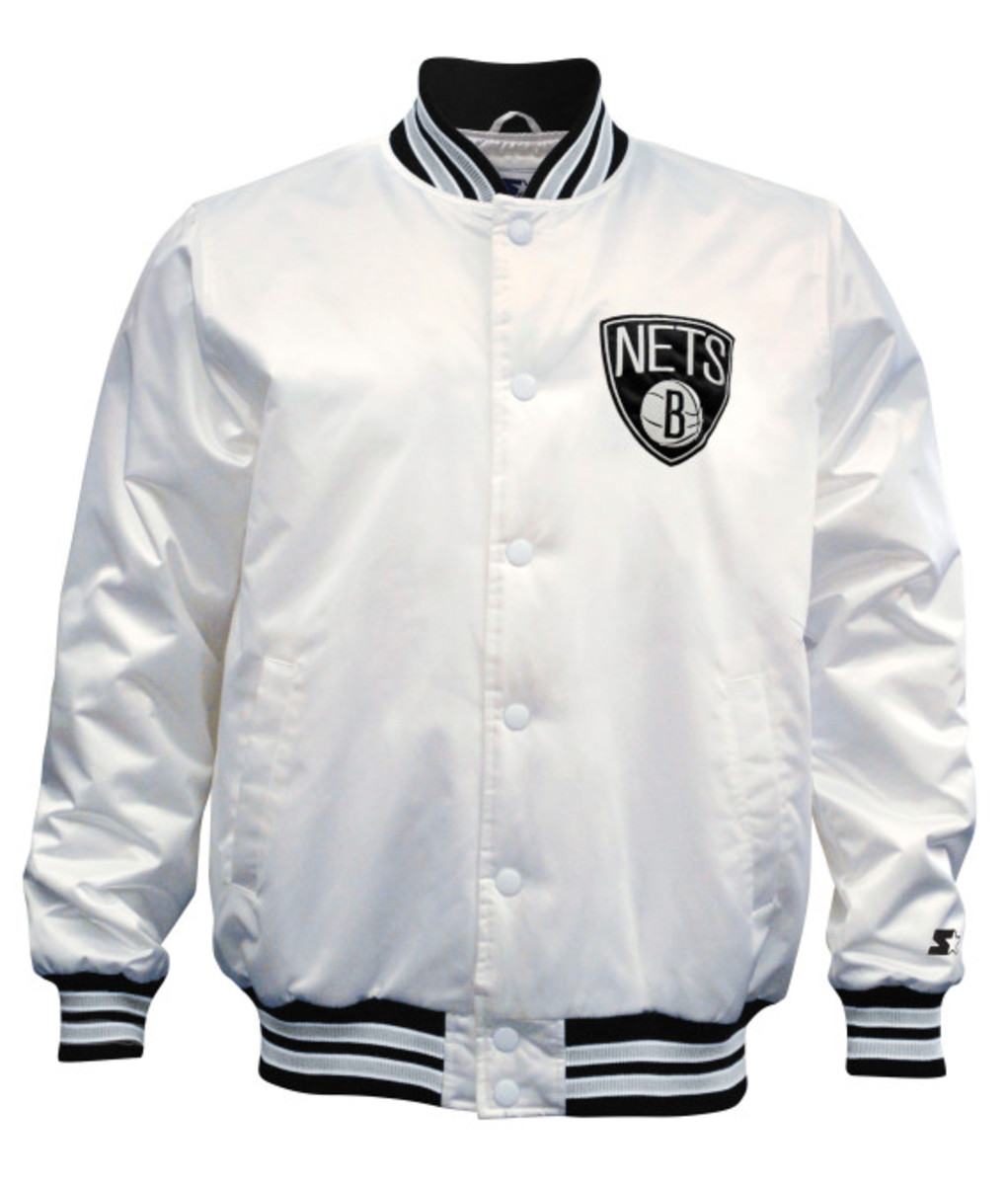 Starter – New York Knicks & Brooklyn Nets Limited Edition Satin Jacket in Christmas White - 3
