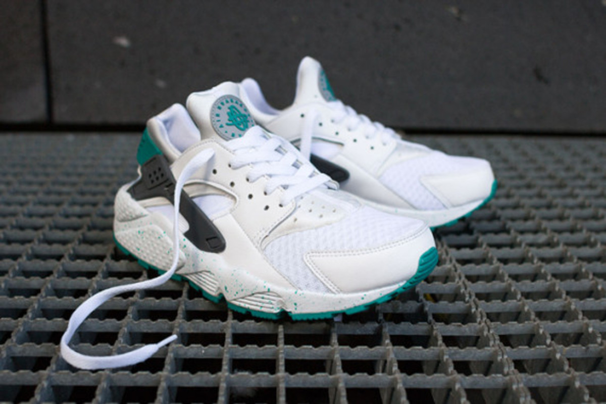 nike-air-huarache-turquoise-speckle-01