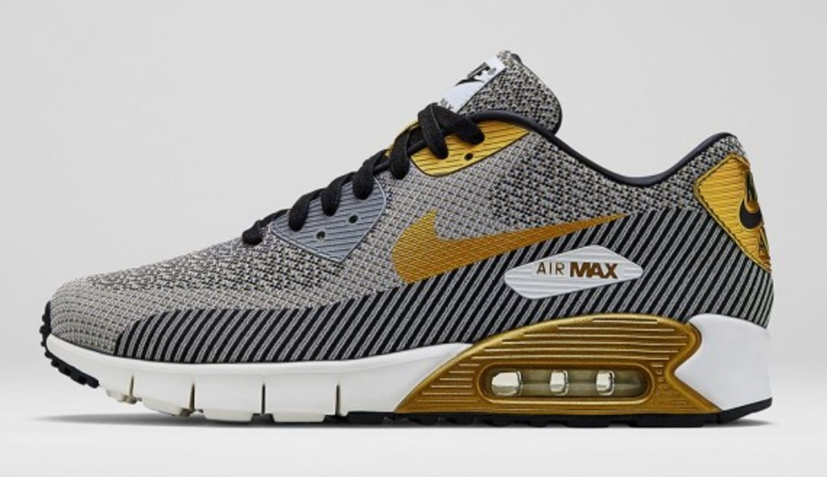 nike-sportswear-gold-hypervenom-collection-06