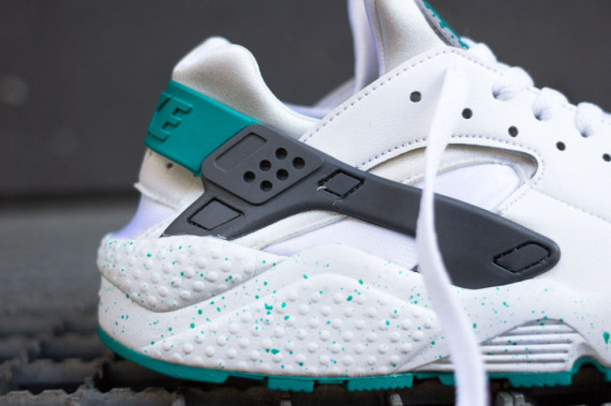 nike-air-huarache-turquoise-speckle-03
